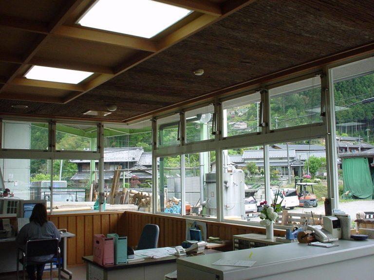杉皮(天然杉皮・化粧杉皮)の施工例(天井)