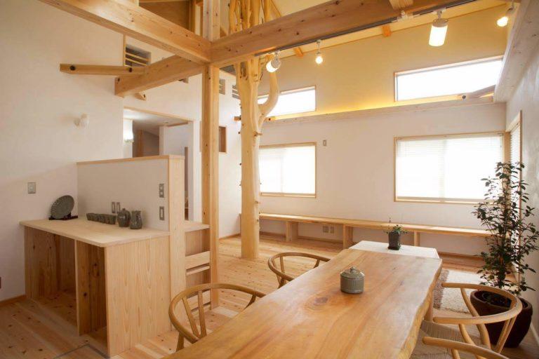 高野槙枝付き丸太、板(ダイニングテーブル)