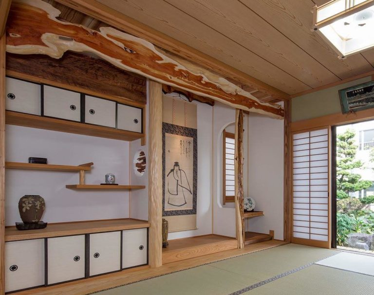 イブキ(幕板)、絞丸太、ムロ、杉杢板