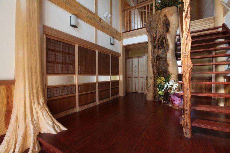 桧株付き、大木自然木、ムロ、ブビンガ板、磨丸太