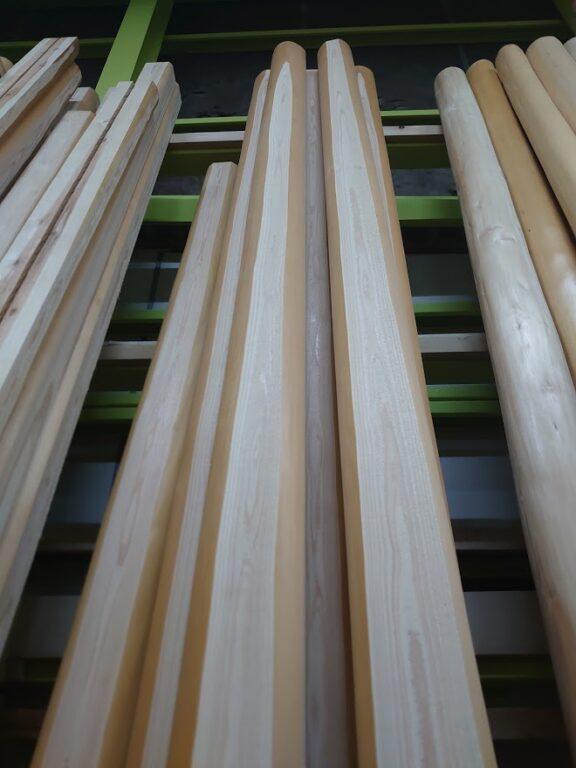 杉 面皮柱